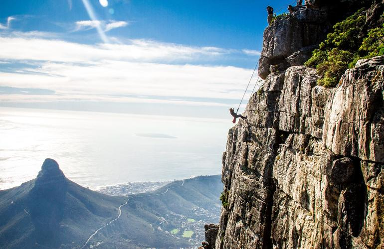https://www.adrenaline-hunter.com/en-GB/activity/south-africa/cape-town/abseiling/abseiling-down-table-mountain/3293