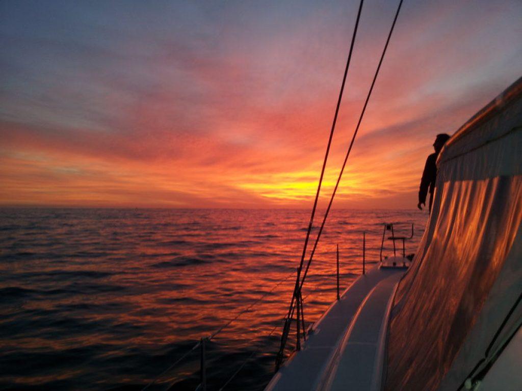 romantic-sunset-boat-cruise