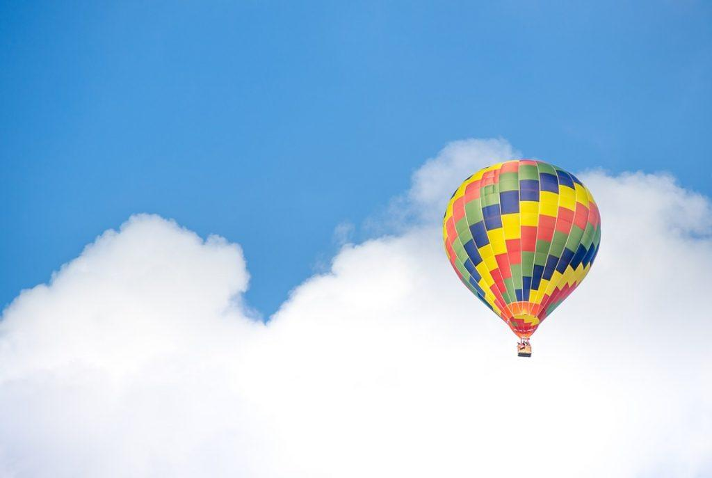 hot-air-ballooning-in-the-clouds
