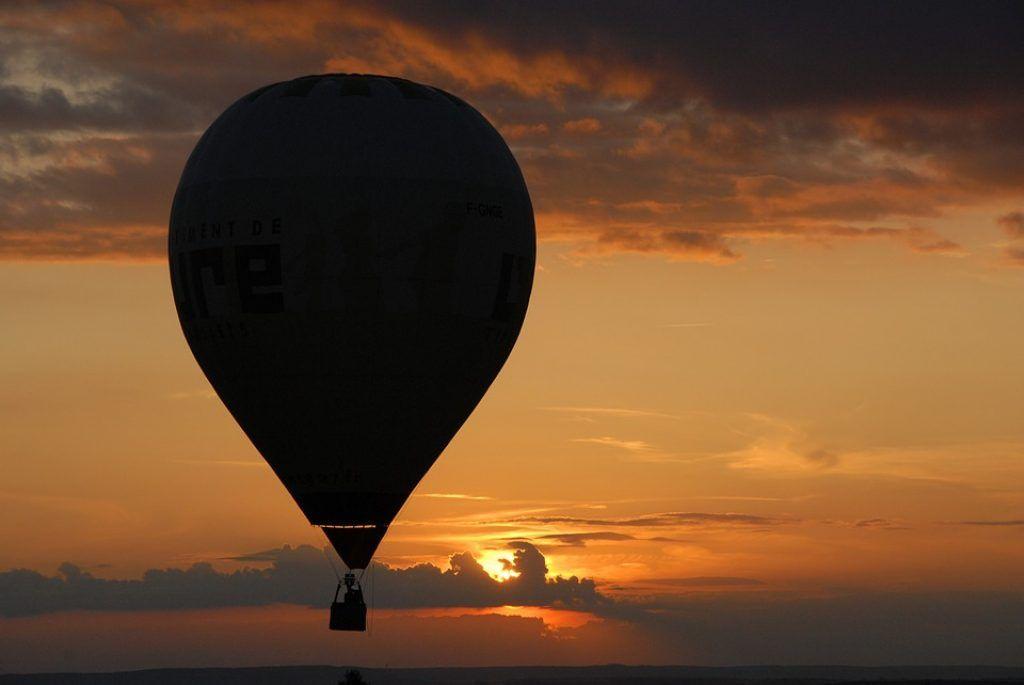 hot-air-balloon-rides-at-sunset
