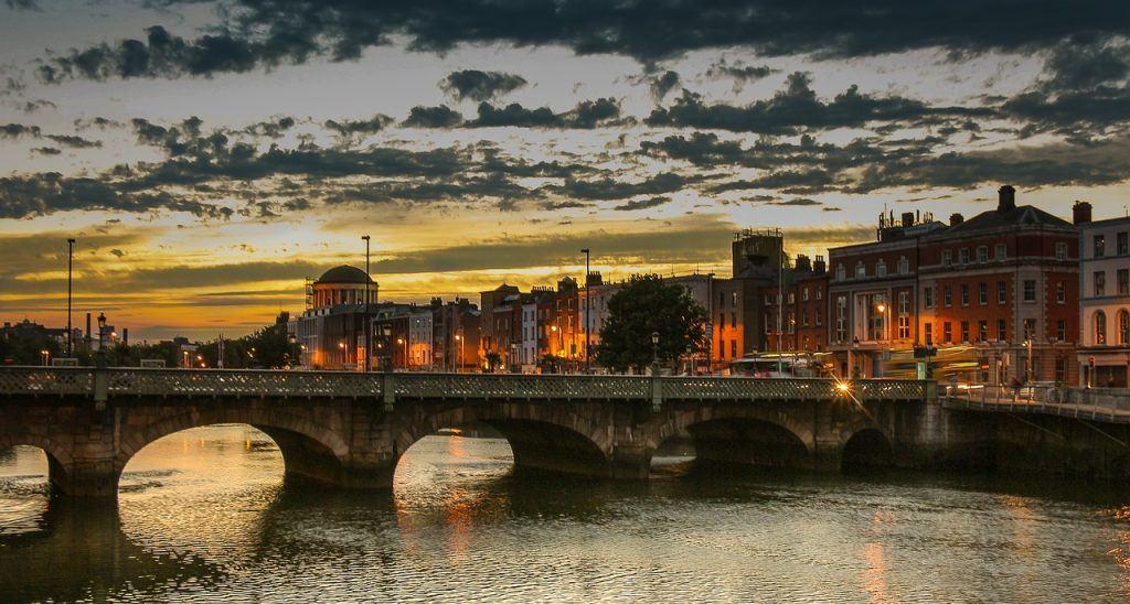 dublin-river-and-bridge