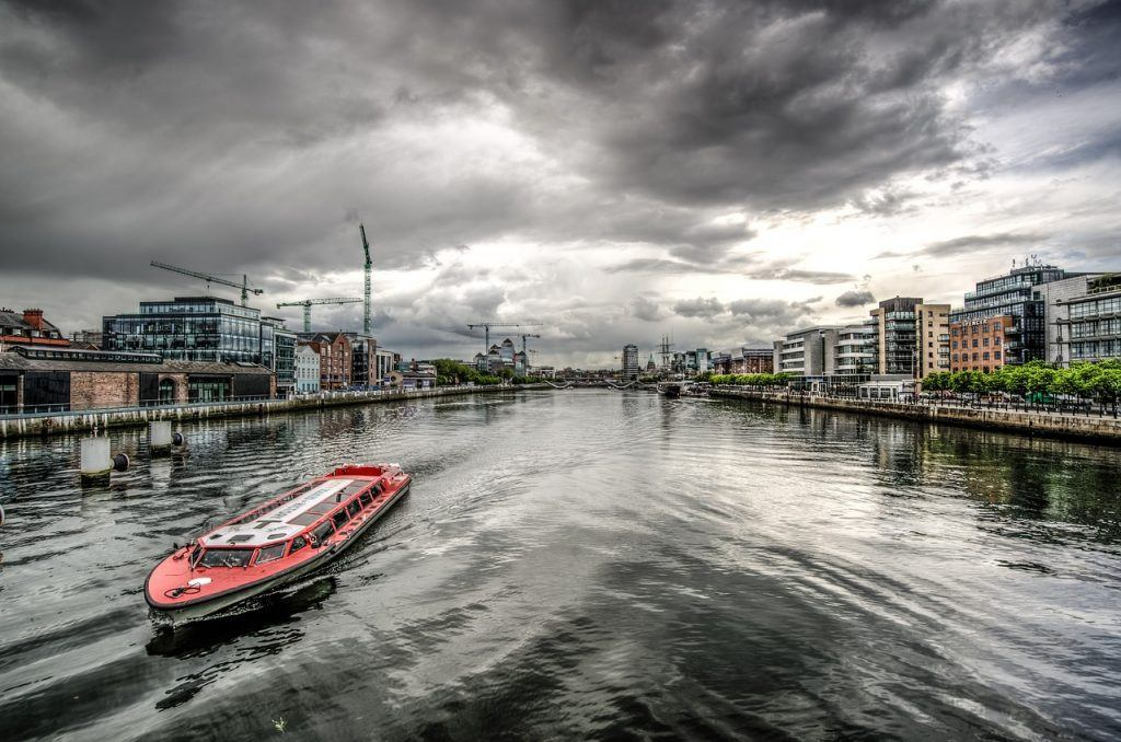 boat-on-river-liffey