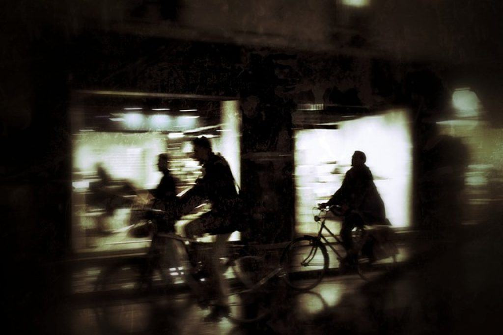 paris-bikes-at-night