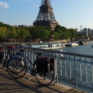 paris-bike-eiffel-tower