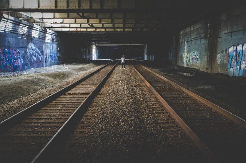 railroad-tracks-new-york