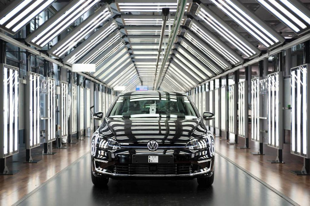 black-electric-vw-dresden-factory