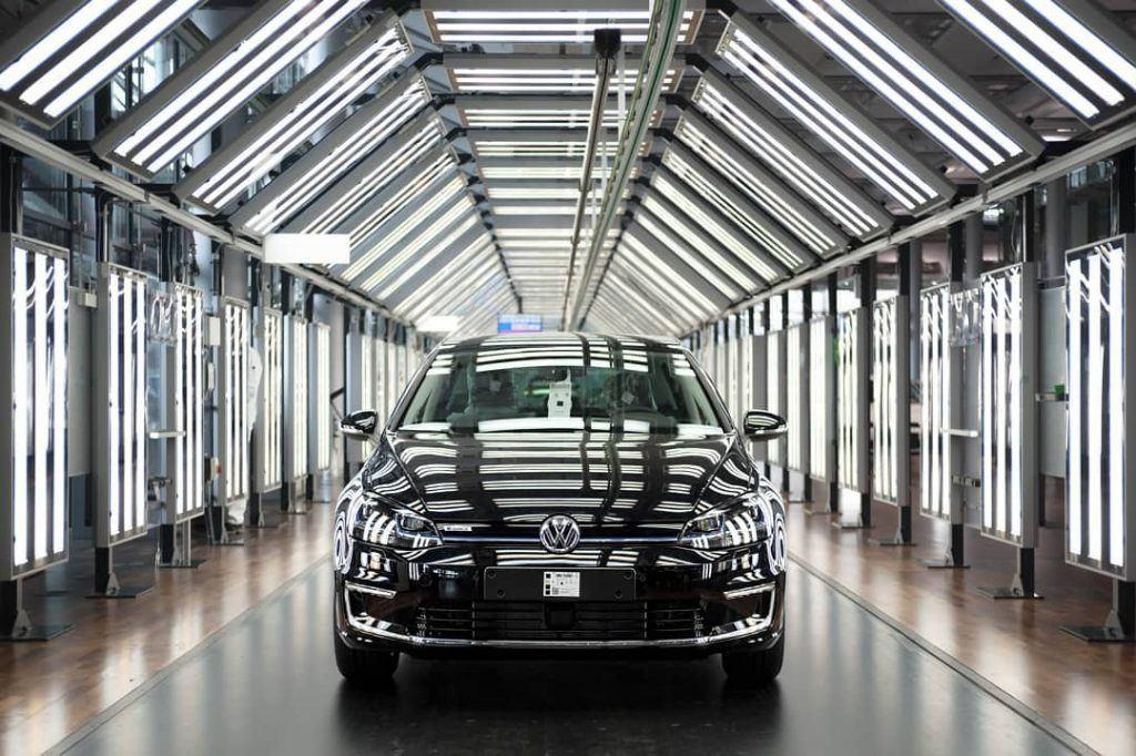 black-electric-vw-dresden-factory