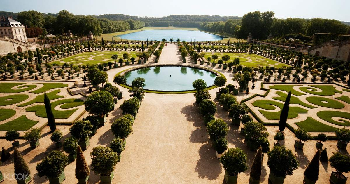 Versailles Full Day Guided Tour from Paris with Skip-the-Line Access and Lunch
