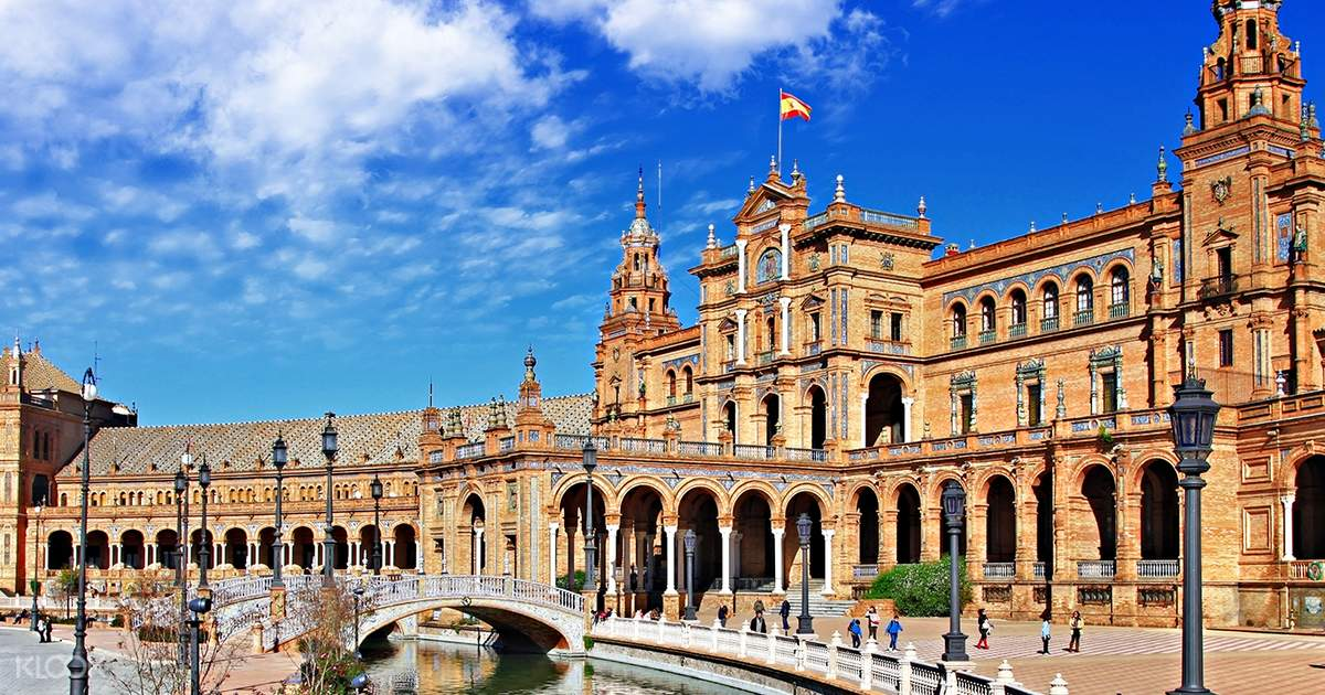 Cathedral, Alcazar, & Giralda Guided Tour Combo Tickets in Seville
