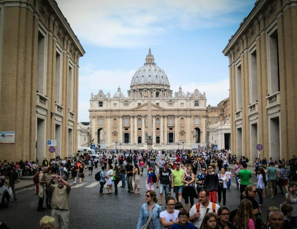 Tourists in St. Peter's Square