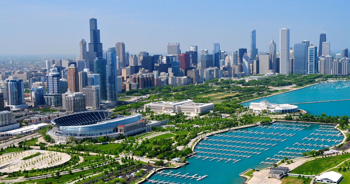 Chicago: 3-Hour 3-Course Buffet Dinner Cruise