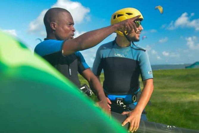Kitesurfing lesson and rental at a cheaper price and with qualified instructor
