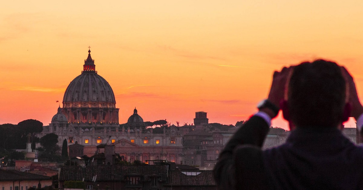 Rome: Friday Evening After-Hours Small-Group Vatican Tour