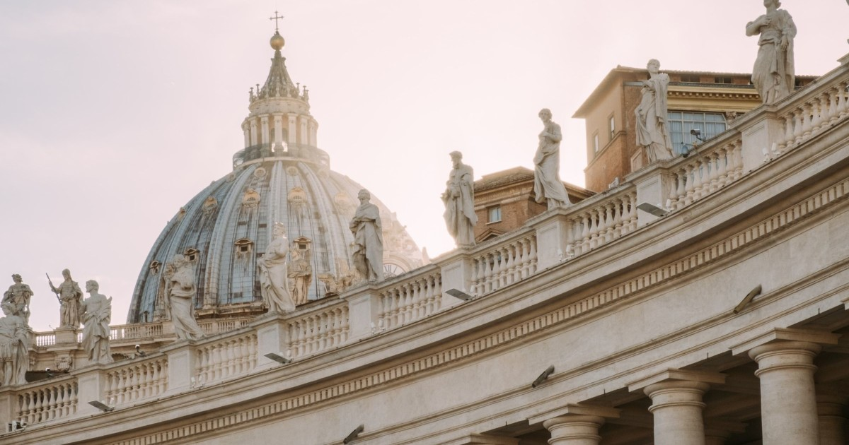Vatican City: Basilica Climb and Optional Crypts Tour