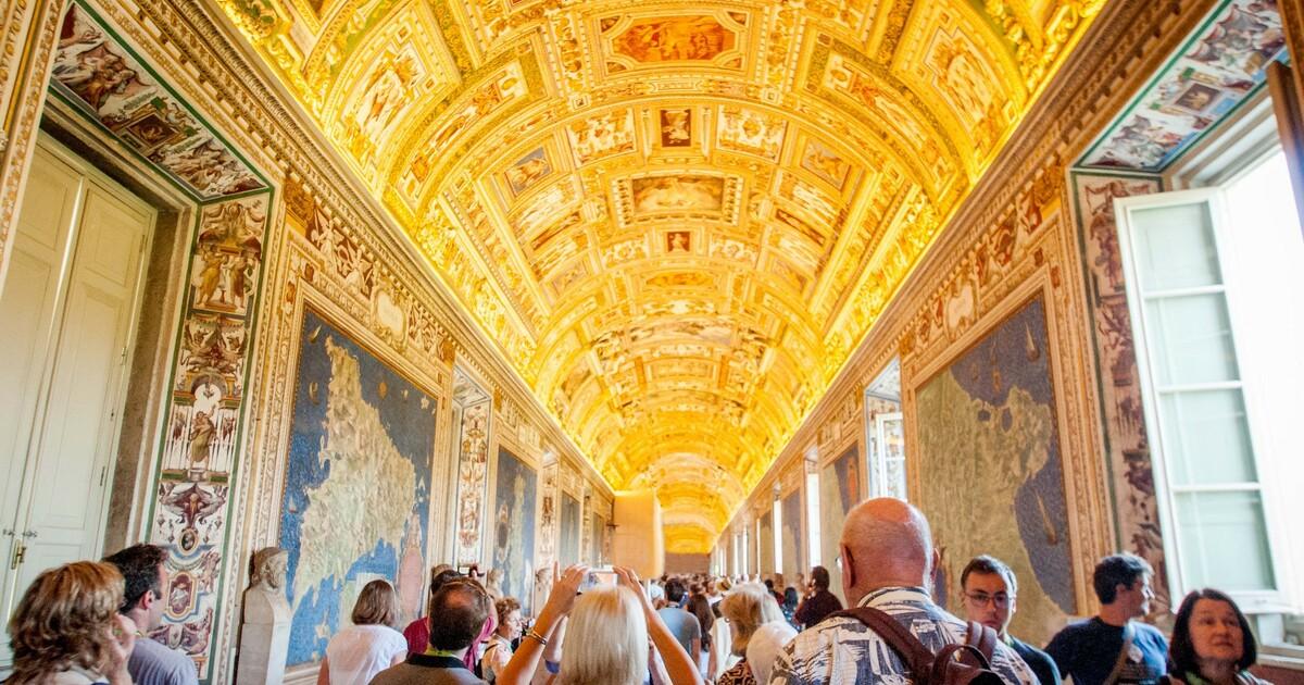 Vatican Museum, Sistine Chapel & St. Peter's Basilica Tour