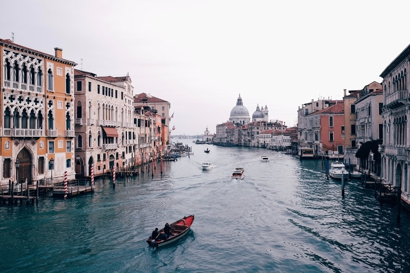 venice italy gondola wide canal