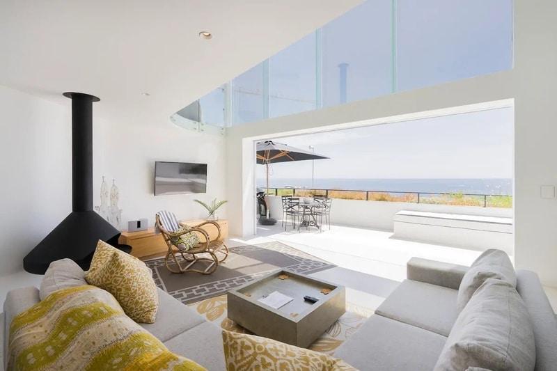 ocean-views-lounge-best-airbnb-cape-town-couples