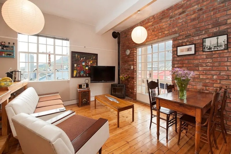 lounge-best-airbnb-cape-town-couples
