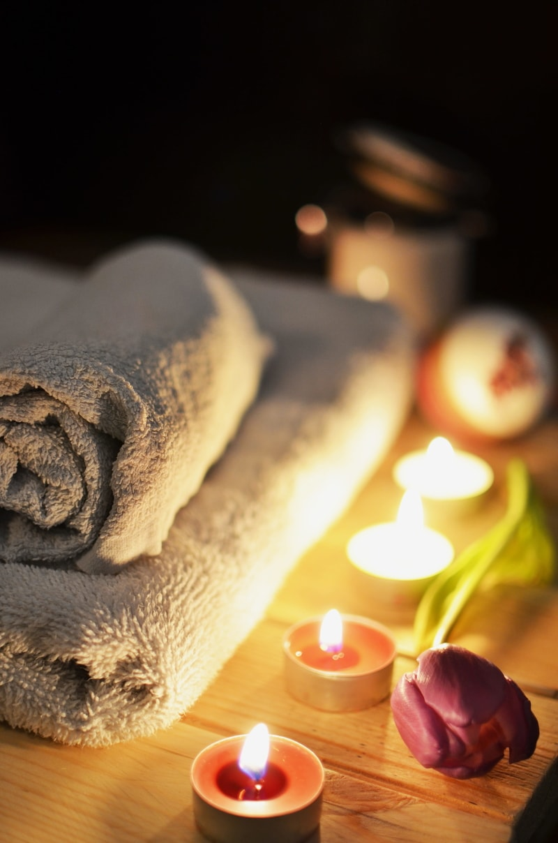 candles-spa-treatment