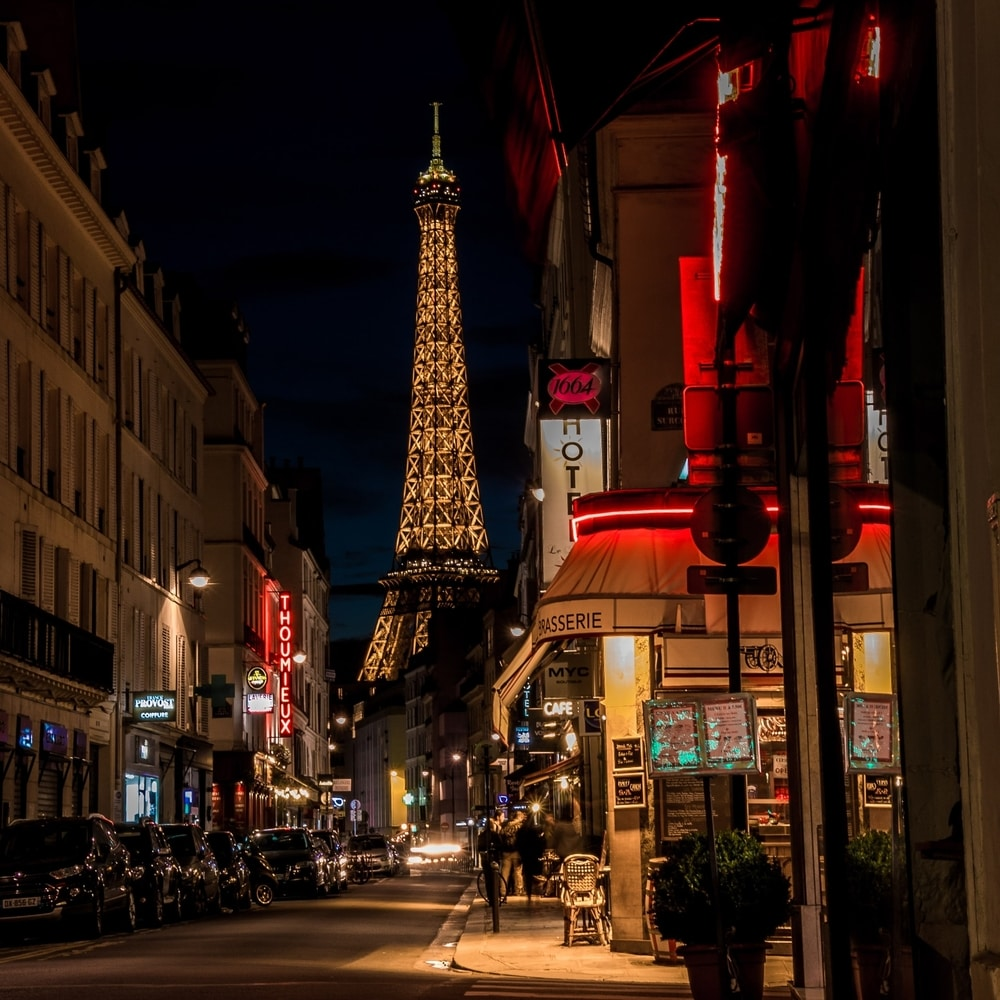 walking-tour-in-the-streets-of-paris-at-night