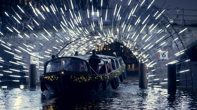 canal-boat-trip-of-amsterdam-light-festival