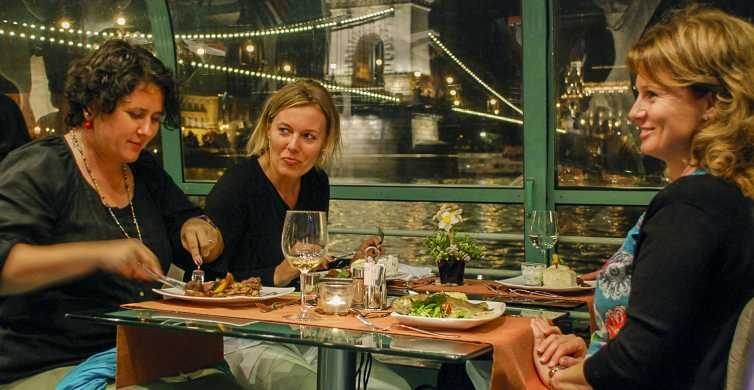 Budapest: Candlelit Dinner River Cruise with Live Music