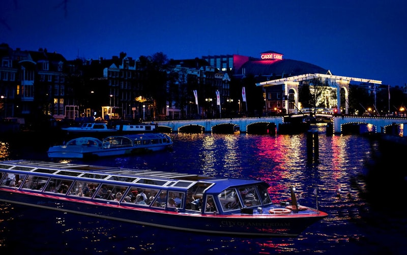 canal-evening-cruise-in-amsterdam