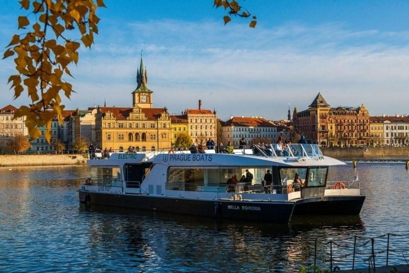 eco-friendly-prague-river-cruise