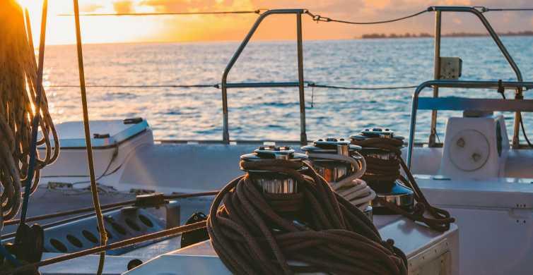 Malaga: Sunset Catamaran Trip with Glass of Cava