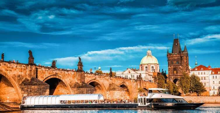 Prague: 2-Hour Lunch Cruise on the Vltava River