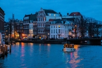 Amsterdam Evening Canal Cruise | 4 Thrilling Boat Trips at Night