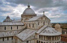 Pisa Duomo cloudy