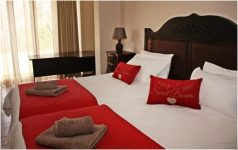 rolo-house-bedroom-red