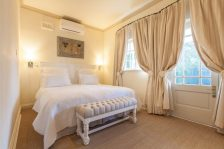 villa-coloniale-bedroom
